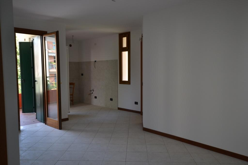 In Zona Ospedale Civile Proponiamo Appartamenti Ristrutturati Da Impresa,  Pari Al Nuovo. Si Tratta Principalmente Di Mini Appartamenti; Questa  Soluzione ...